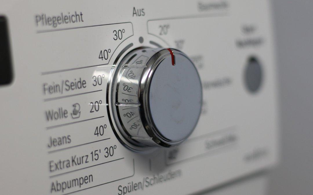 Ile kosztuje naprawa pralki? Naprawiać, czy kupićnową?