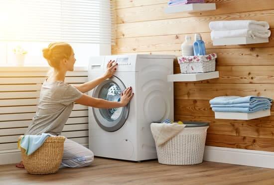 Jak możemy poradzić sobie z pralką, która zaciąga i dziurawi ubrania?