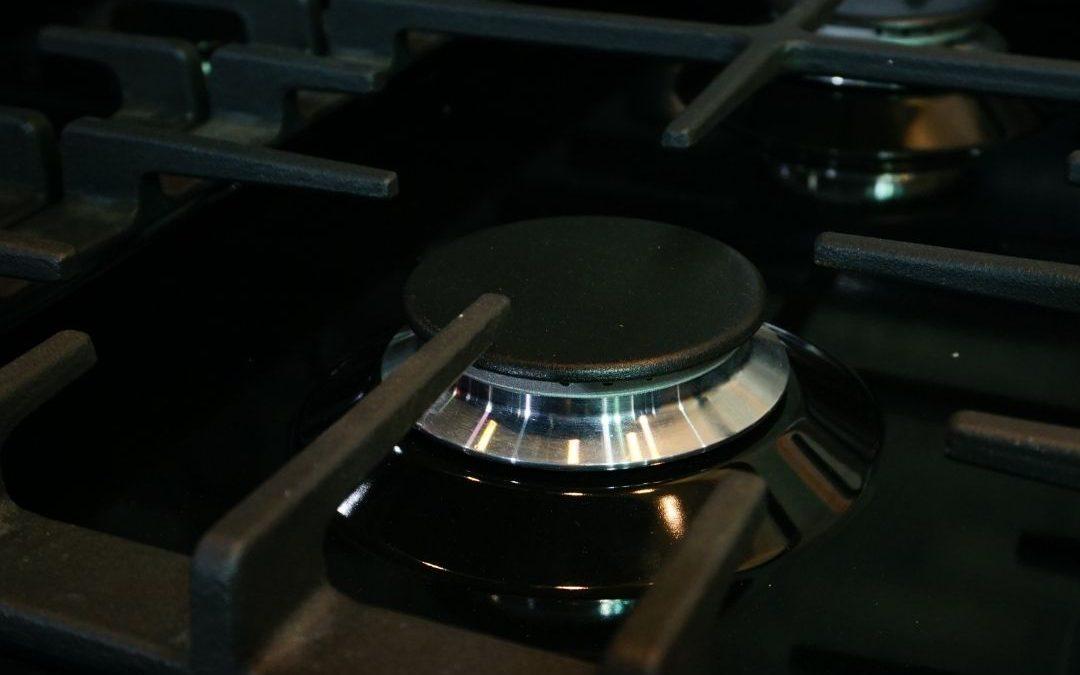 Inox – jaki to kolor sprzętów AGD? Zalety i wady powierzchni inox w kuchni