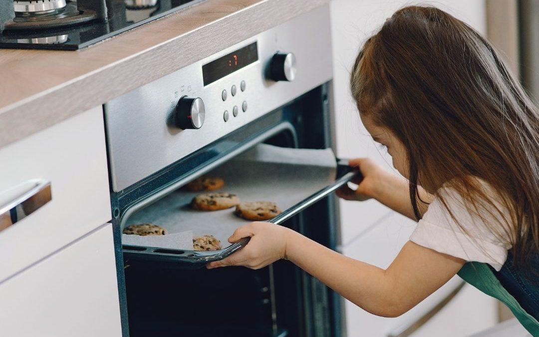 Jaki warto wybrać piekarnik: elektryczny czy parowy?